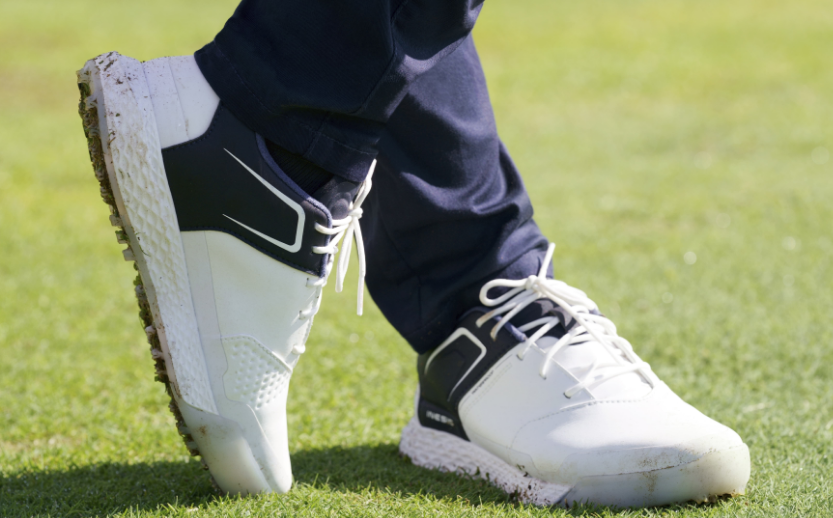 Sneaker Style Spikeless Golf Shoes for the Driving Range